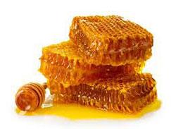 Honey keeps lips soft