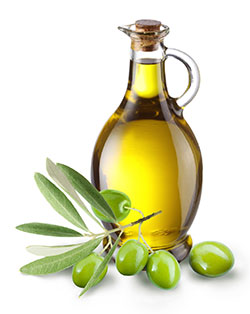 Olive oil lightens dark lips