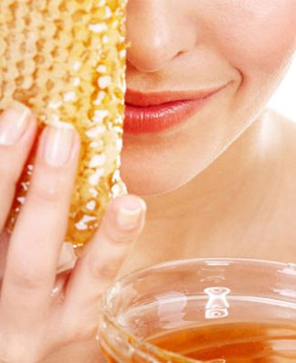 benefits of honey for skin, face and lip care