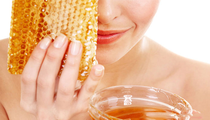 14 Amazing Benefits of Honey for Skin and How to Use It - DLT Beauty