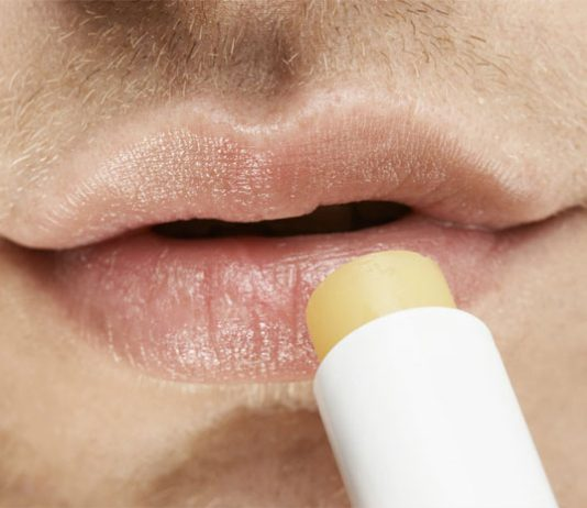 how to take care of lips for men