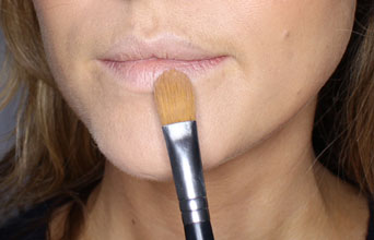 How You Can Plump Your Lips Naturally