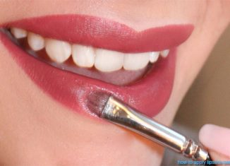 How to Apply Lipstick Perfectly